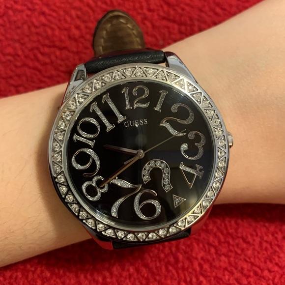 Guess: Wrist Watch
